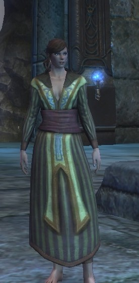 A fully-clothed mage? UNPOSSIBLE!